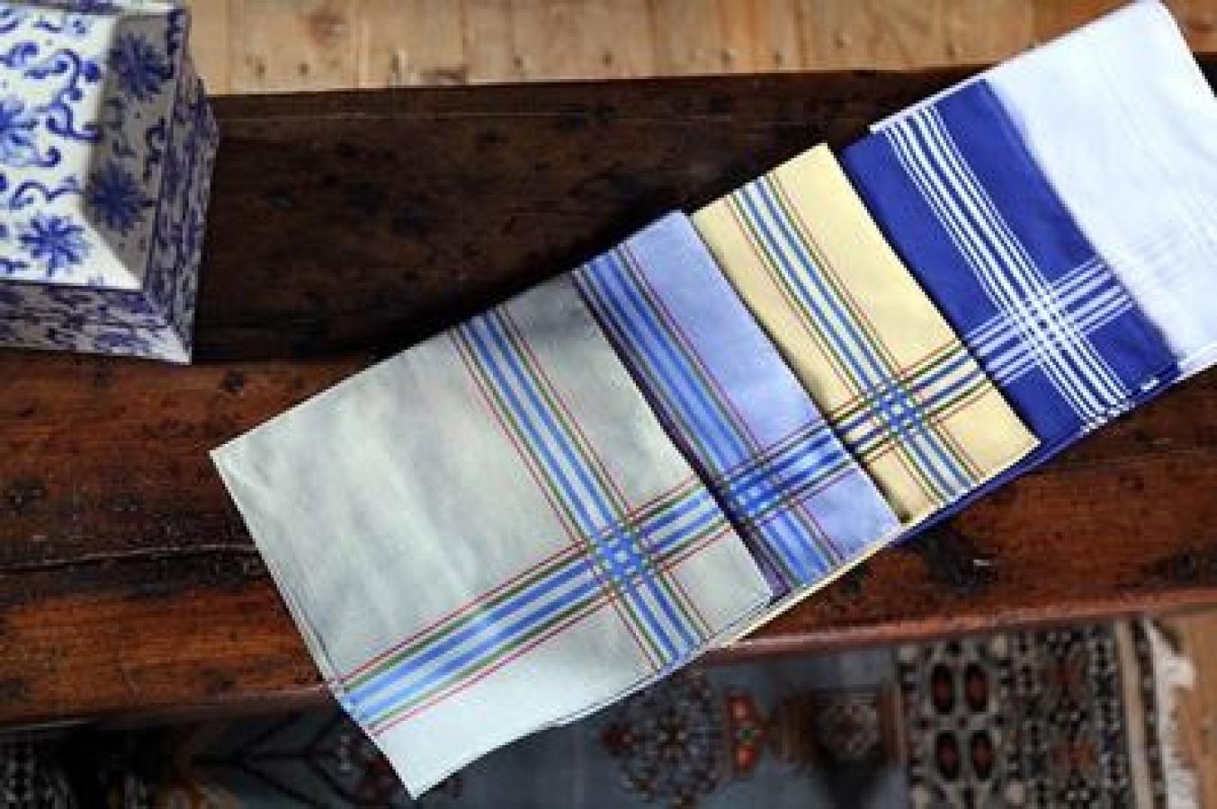SIMONNOT-GODARD - Créateurs français de mouchoirs batistes et linons de luxe